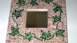 cornice con mosaico